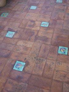 Peter Englander Mosaik av tegel och keramik.