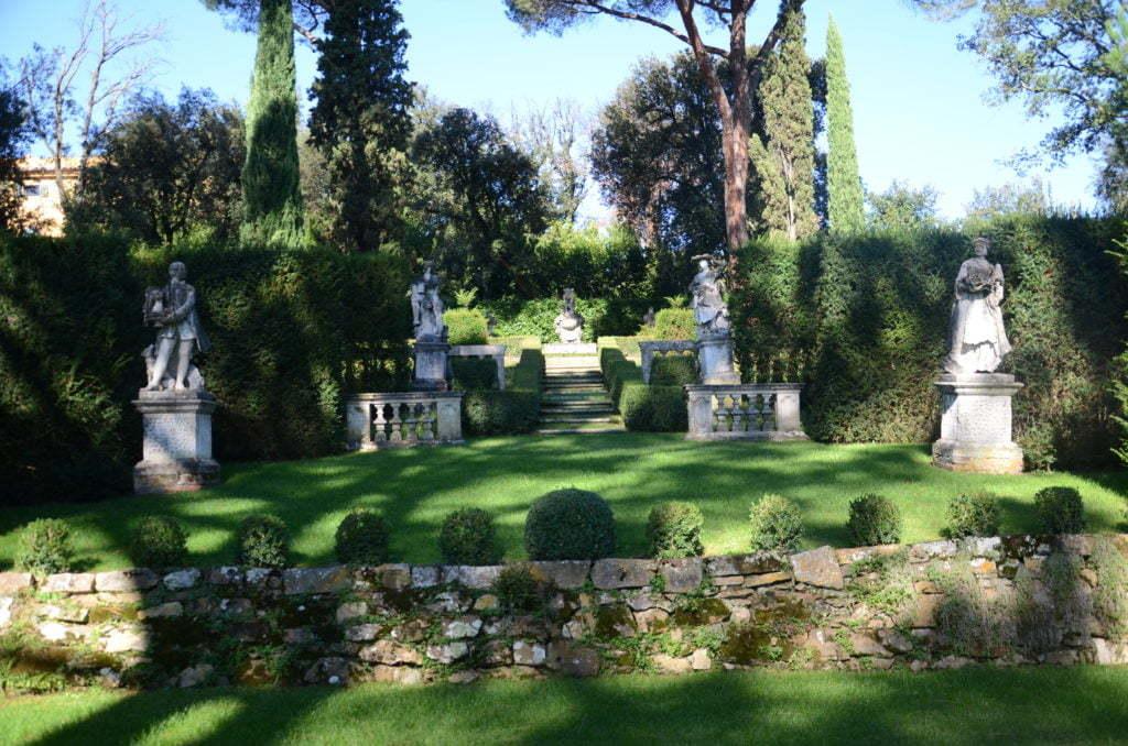 Peter Englander Villa La Pietra. Vacker (grön) scen.
